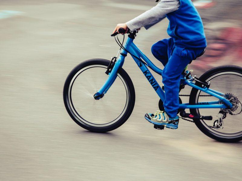 Vilniuje vienuolikmetis dviratininkas šaligatvyje partrenkė senolę
