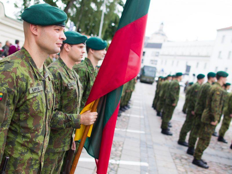 Atskleidė, kas diktuoja karių aprangos madas