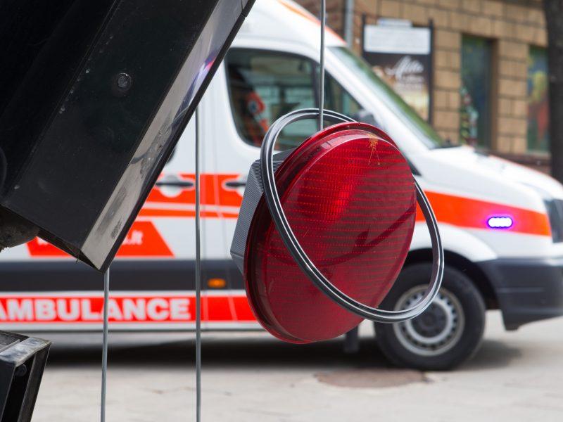 Vilniuje per masinę avariją nukentėjo troleibuso keleivė