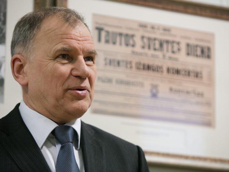 Ministras: kontraceptikai turėtų būti kompensuojami iš Sveikatos draudimo fondo