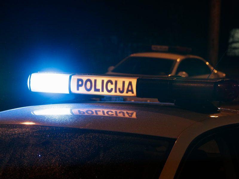 Šalčininkų rajone vilkikas pervažiavo ant kelio gulėjusį vyrą