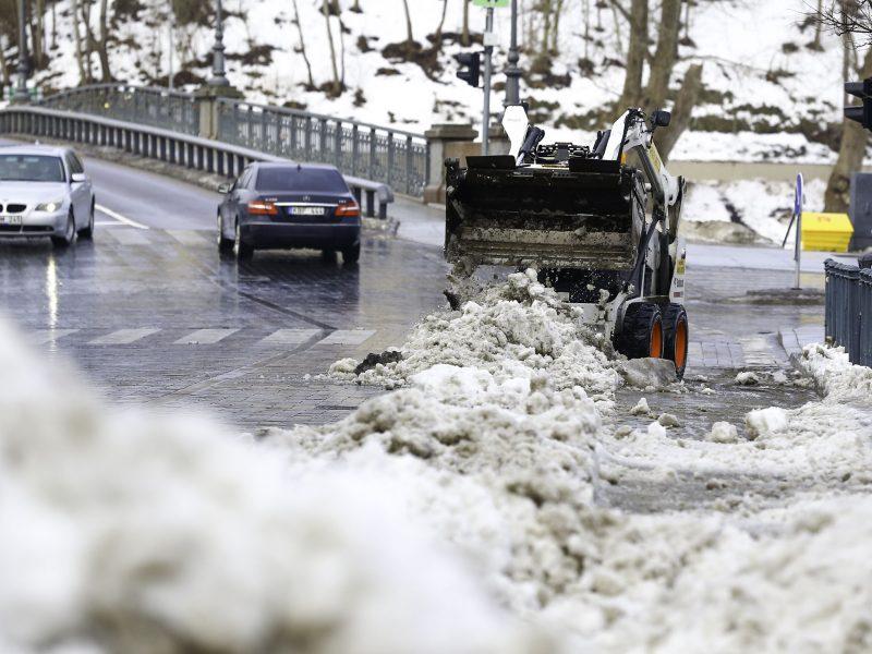 Rinkitės saugų greitį: mažesnio intensyvumo keliuose yra slidžių ruožų
