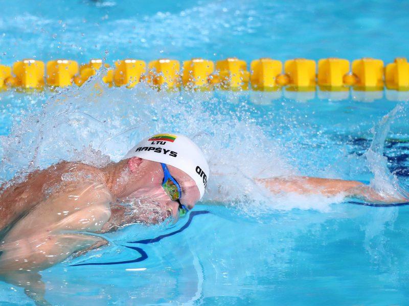 Trys Lietuvos plaukikai pasaulio taurės varžybose Tokijuje pateko į finalus