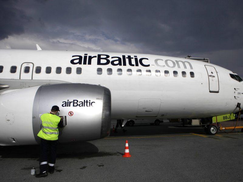 """Rygoje avariniu būdu tūpė """"airBaltic"""" lėktuvas, lietuviai nenukentėjo"""