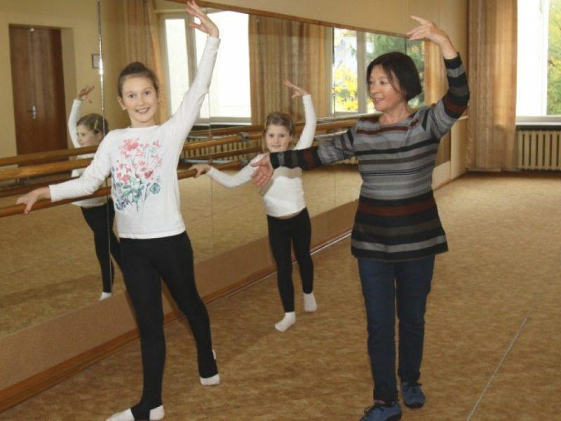 Į balerinos kojas ir rankas pasikėsino reumatoidinis artritas