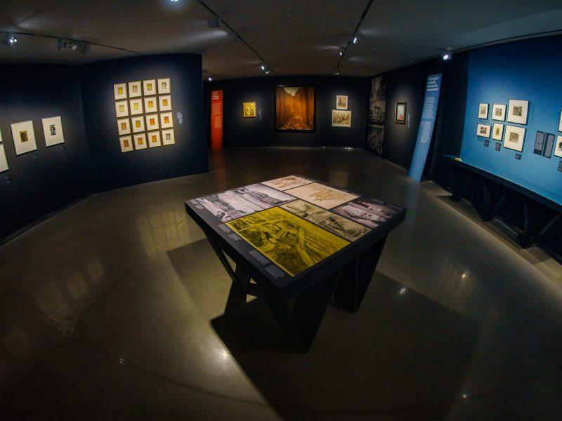 MO muziejaus virtualioje parodoje –  dramatiškas Vilniaus dešimtmetis