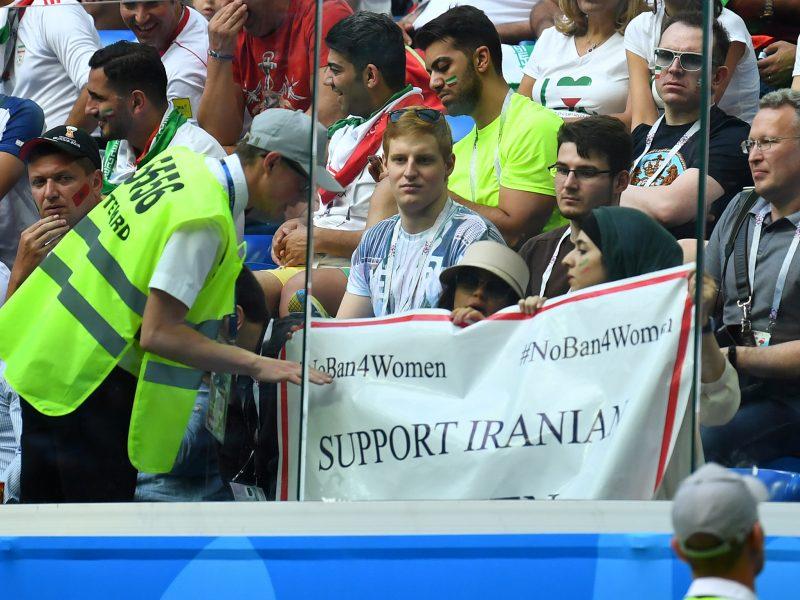Iranas laikosi savo – moterų stadionuose nebus