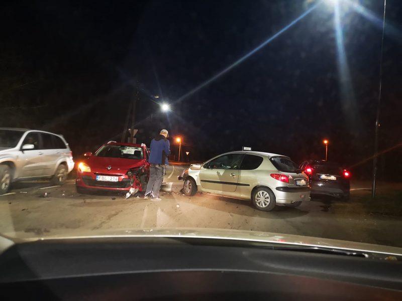 Po avarijos Aleksote medikų rankose atsidūrė vairuotoja