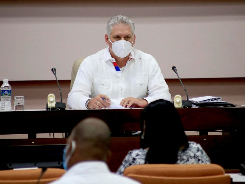 M. Diazas-Canelis pakeitė R. Castro Kubos komunistų partijos vadovo pareigose
