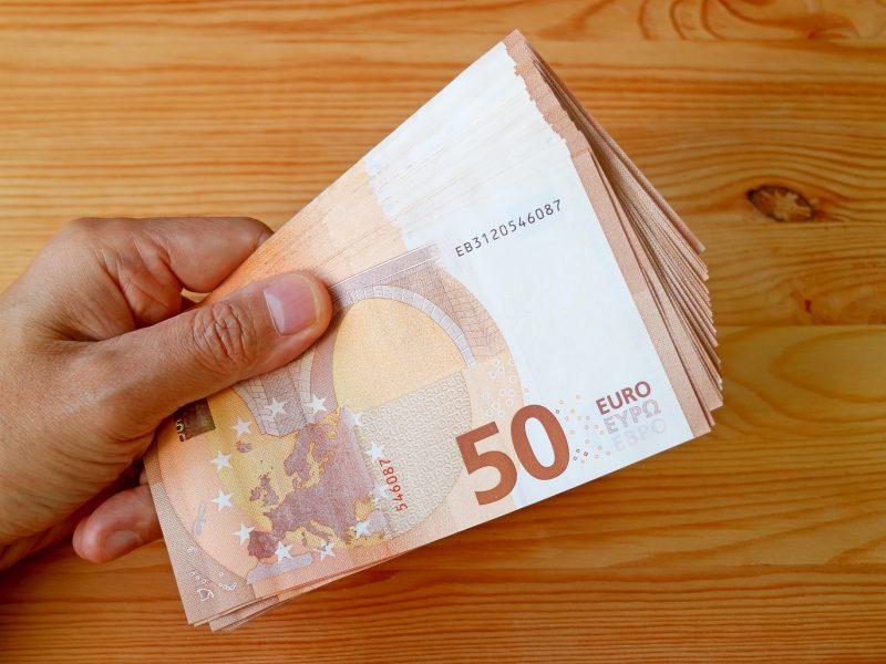 Baldų gamybos įmonės vadovui – kaltinimai nesumokėjus 170 tūkst. eurų mokesčių