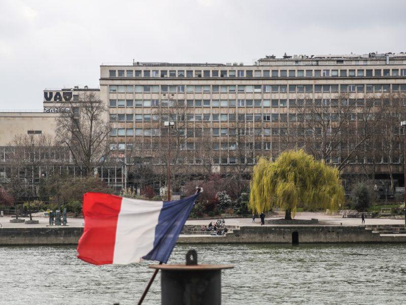 Prancūzijoje bus griežčiau kontroliuojama, kaip laikomasi ribojamųjų priemonių