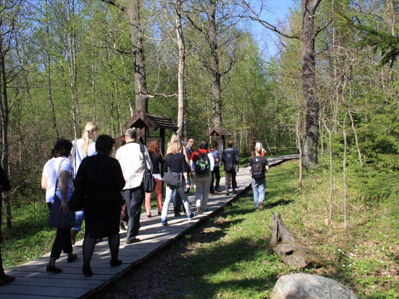 Neries regioninis parkas kreipiasi į keliautojus: prašo nevykti į Grabijolų kaimą