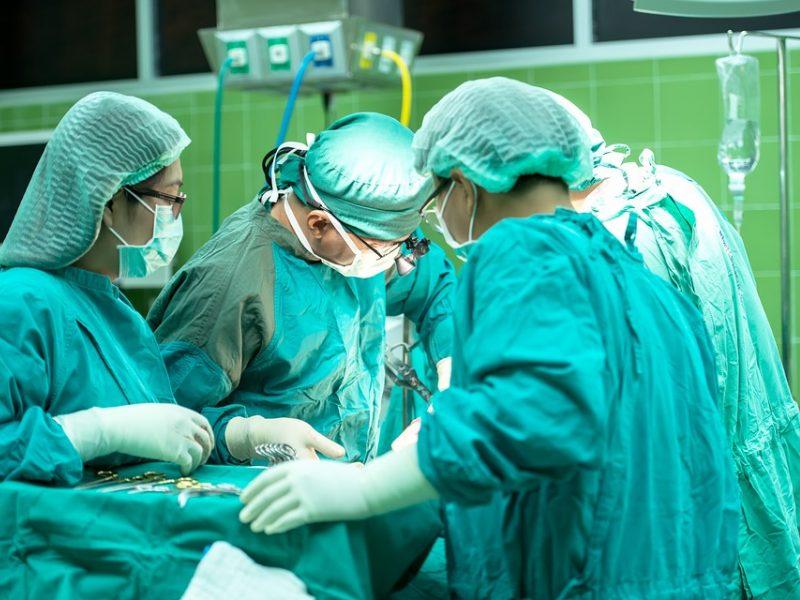 Panevėžyje nuo insulto išgelbėtas žmogus: tokių operacijų pasaulyje – vienetai
