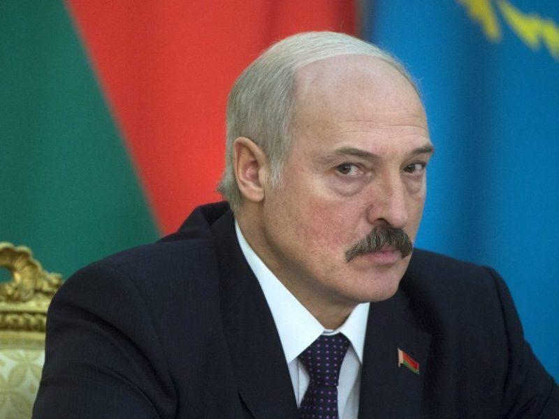 A. Lukašenka leido milicininkams naudoti prieš protestuotojus ginklus