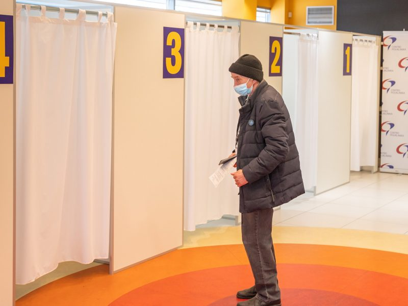 """""""Pfizer-BioNTech"""" vakcinų sulaukęs Vilnius kviečia skiepytis senjorus, mokytojus ir abiturientus"""