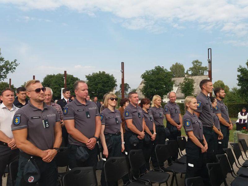 Policijos darbas – ir melstis?