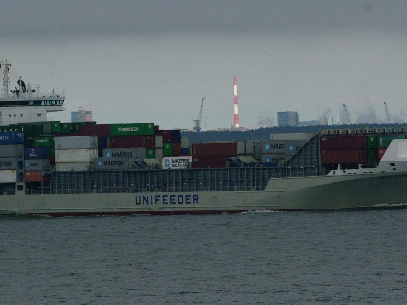 Ar žengs pramonė į Baltijos jūrą?