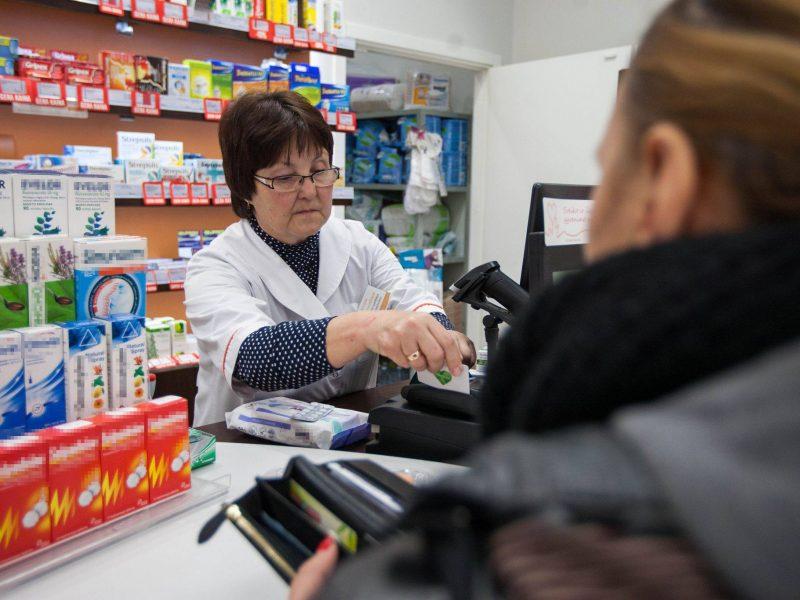 Farmakotechnikai praras darbo vietas, regionai – vaistines?