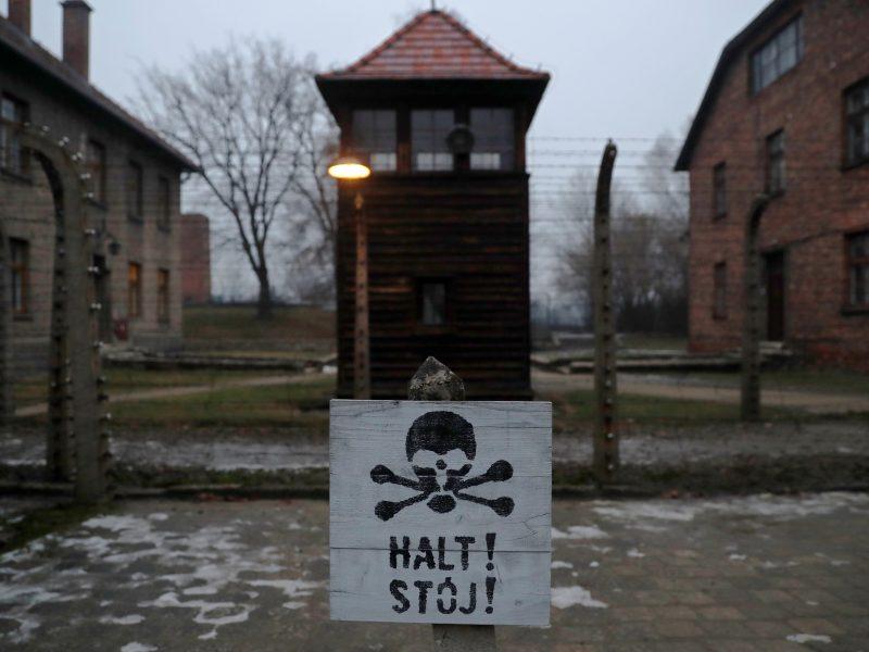 Turistai mėgino pavogti plytų iš Aušvico koncentracijos stovyklos