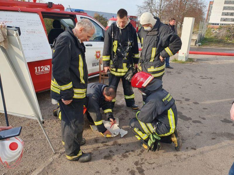 Ugniagesių netenkina sveikatos tyrimų vilkinimas: ministrė šią kritiką atmeta