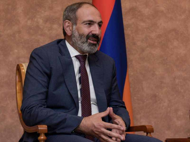 Armėnijos premjeras žada paleisti visus politinius kalinius