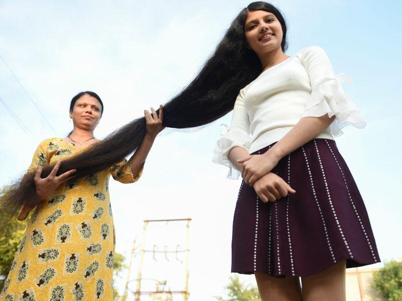 Rekordas: paauglės plaukų ilgis siekia 1,9 metro