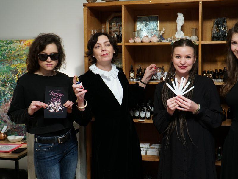 """Gundo žiūrovų jusles: parfumerė sukūrė spektaklio """"Pavojingi ryšiai"""" kvapą"""