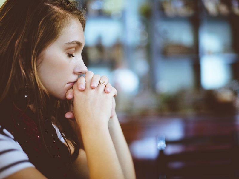 Psichologė: religingas žmogus nėra geresnis, bet gyventi jam gali būti ramiau