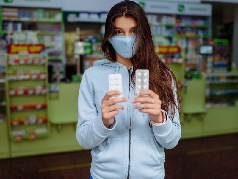Į vaistines ateina daugiau suirzusių ir sveikata susirūpinusių pacientų