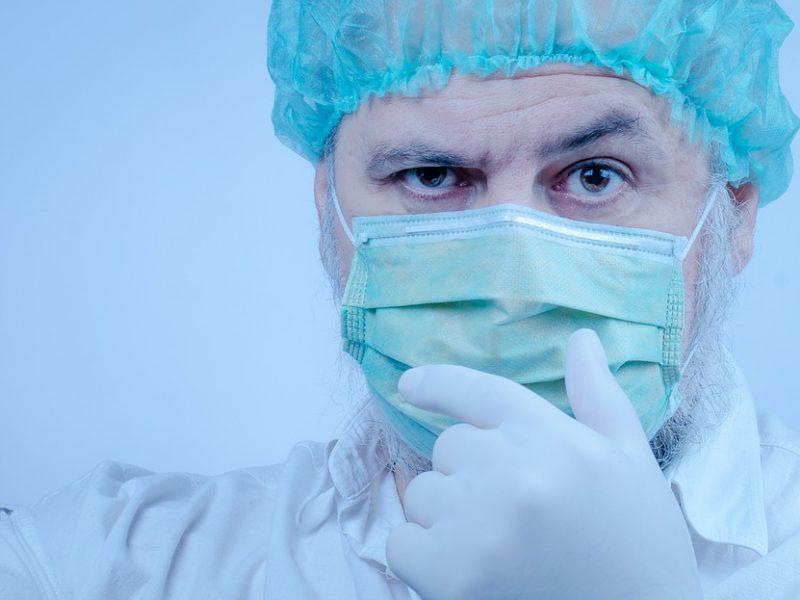 Profesorė: per COVID-19 pandemiją medikai tapo itin pažeidžiami