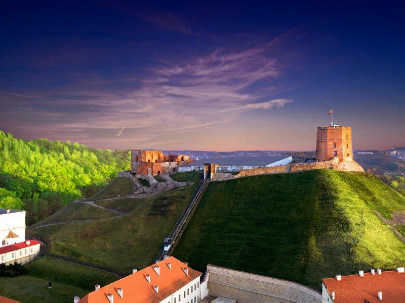 Muziejų naktis su muzika, ekskursijomis ir saulėlydžiu nuo Gedimino bokšto