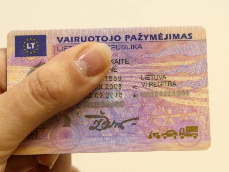 Seime – nežinomybė dėl vairuotojo pažymėjimo tapatybei nustatyti