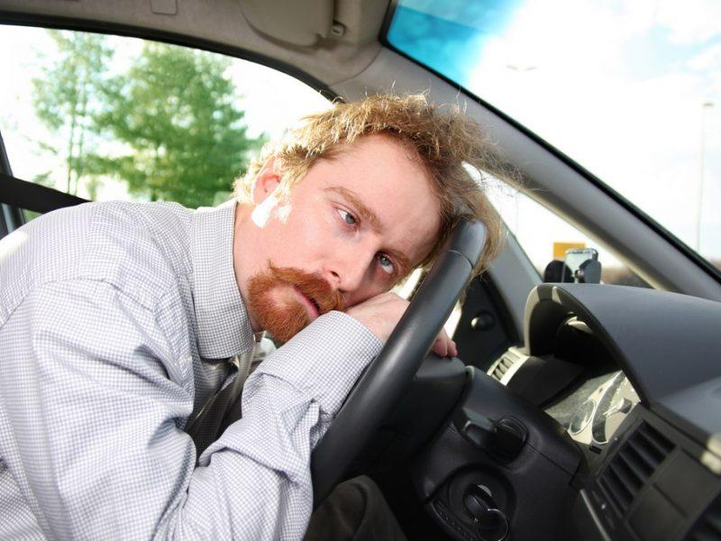 Gatvėse – girtų vairuotojų šou