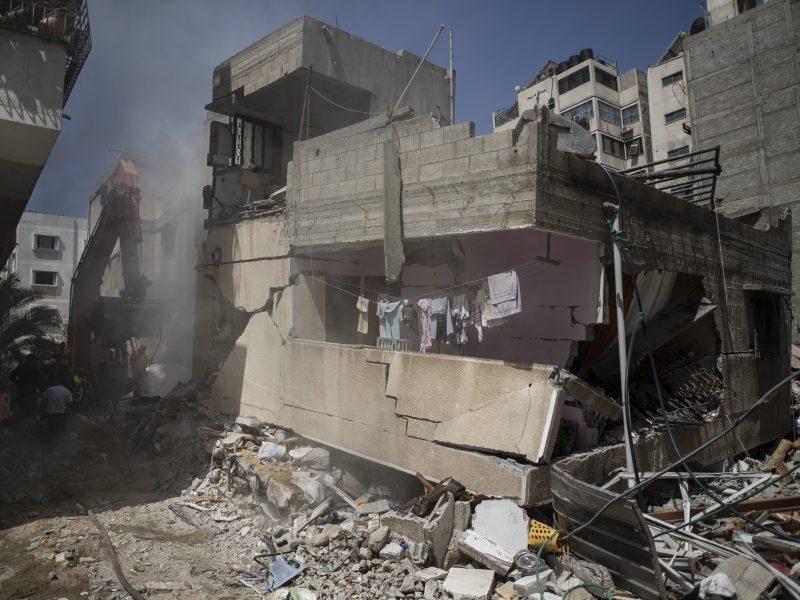 """Izraelis smogė svarbiems """"Hamas"""" taikiniams, ruošiantis susitikti JT Saugumo Tarybai"""