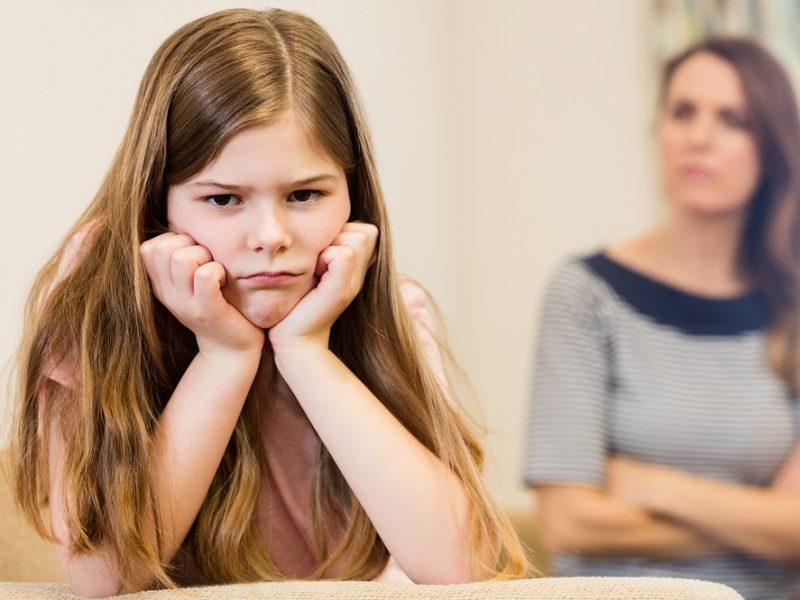 Psichologė: tėvai turėtų mokytis išlaukti pauzes ir priimti vaikų atsakymus