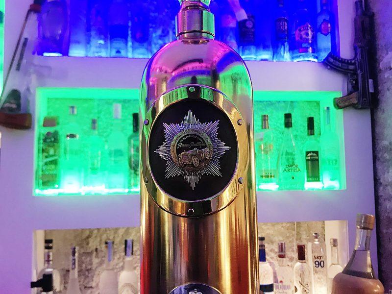 Įsigudrino pavogti 1 mln. eurų vertės degtinės butelį