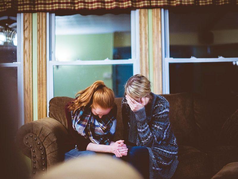 Moteris patiria smurtą artimoje aplinkoje – kokių veiksmų imtis?