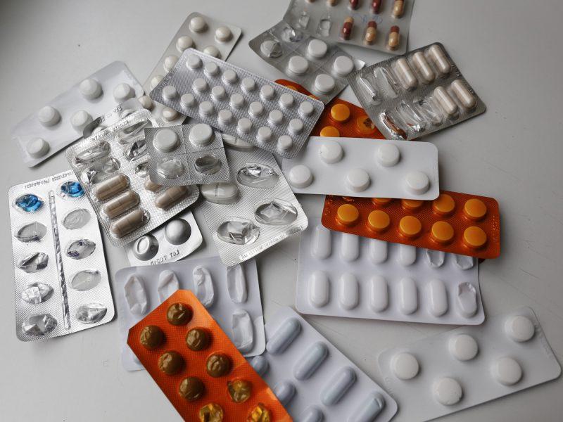 Vaistų kontrolės tarnyba: Lietuvoje neretai žudomasi vaistais, pernai penki mirė