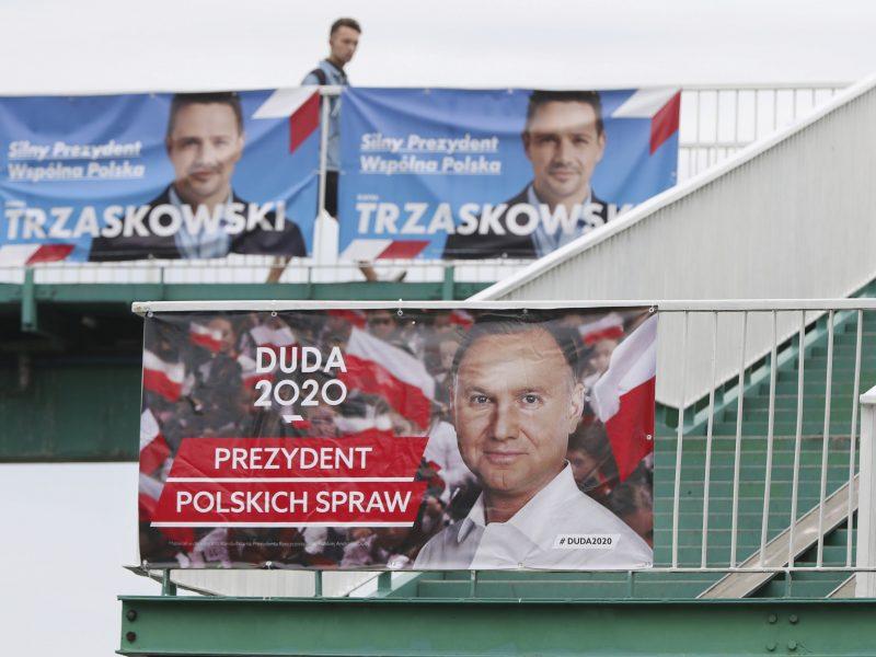 Lenkijoje ruošiamasi įtemptam prezidento rinkimų antrajam turui