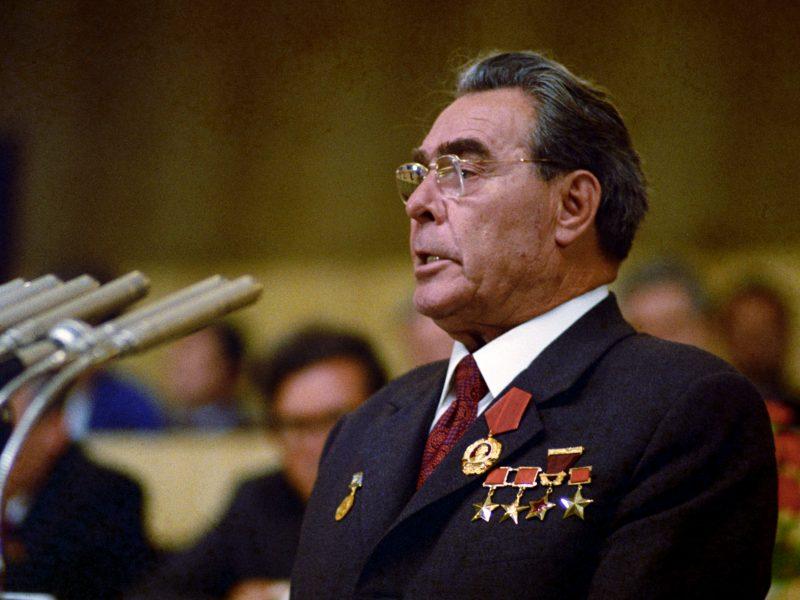 """L. Brežnevo """"humoristinis"""" vairuotojo pažymėjimas nupirktas už 22 tūkst. eurų"""