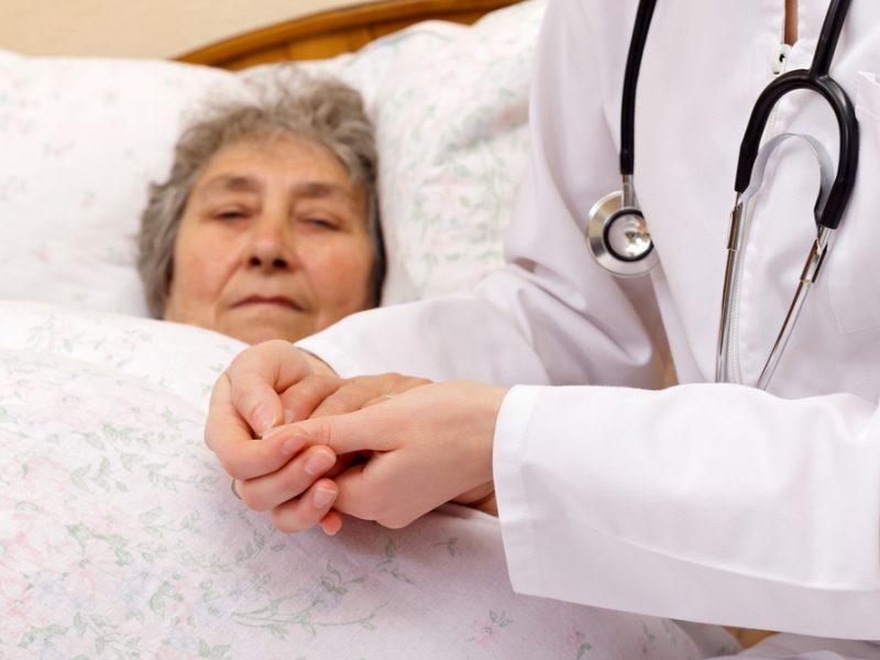 Pasiūlymų išbandyti modernų gydymą sulaukia tik kas dešimtas vėžiu sergantis lietuvis