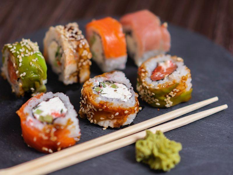 Skonių kelionė į Japoniją: naudingi patarimai ir sušio dubenėlyje receptas