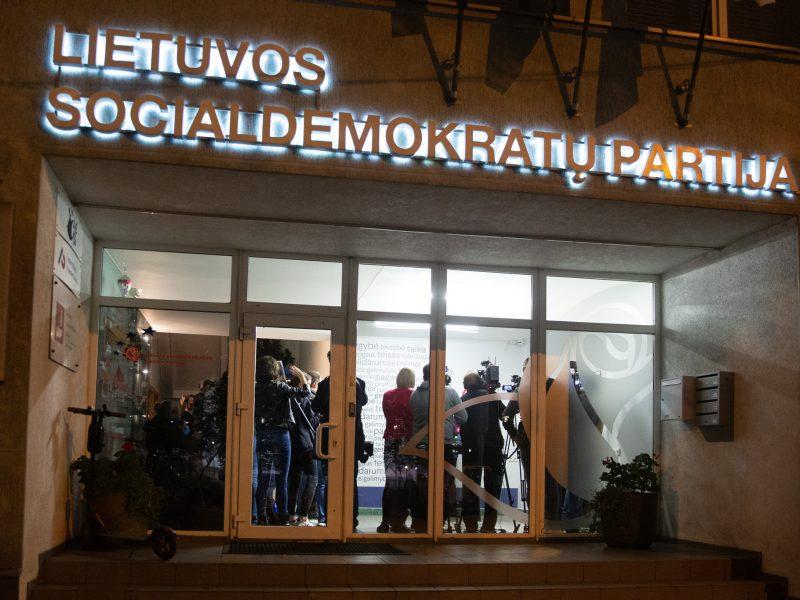 LSDP būstinėje komentuojami rezultatai po antrojo Seimo rinkimų turo