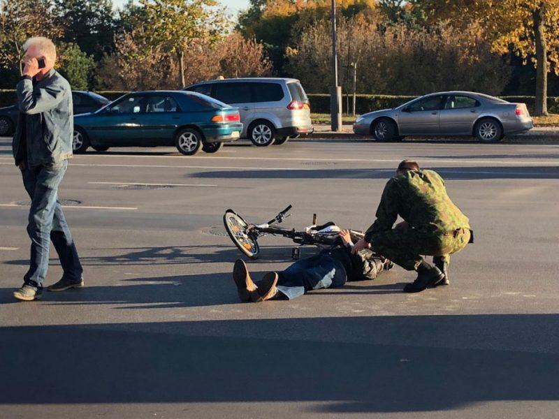 Neramus savaitgalis šalies keliuose: eismo įvykiuose žuvo du žmonės, sužeisti dar 59