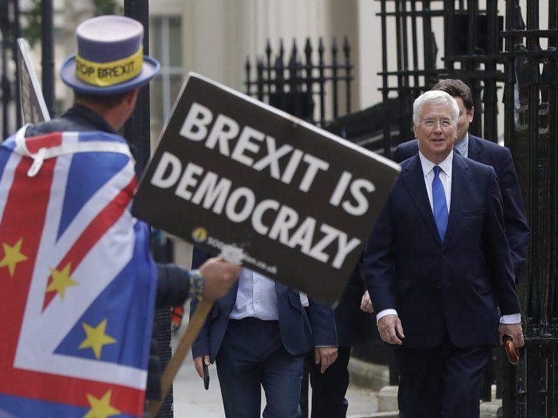 ES perspėja britus, kad skyrybos bet kokiu atveju kainuos