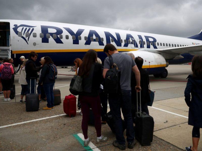 """Nuo 2019 m. lapkričio """"Ryanair"""" žada mažinti skrydžių skaičių"""