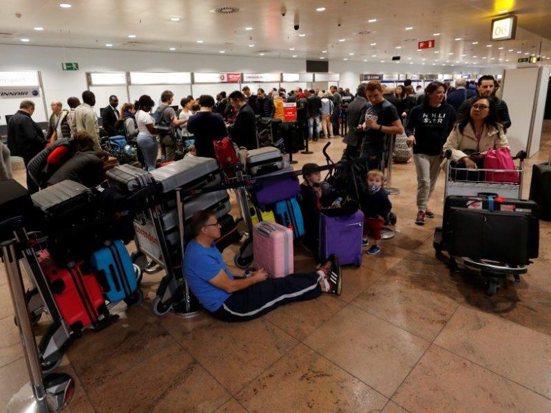 """Keliaujančių lietuvių nesklandumai: koks oro uostas """"vėluoja"""" labiausiai"""
