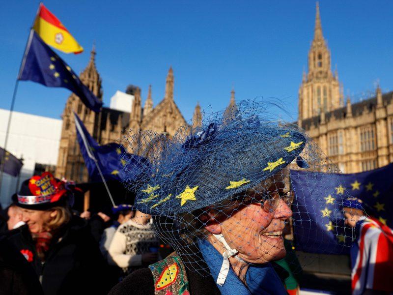 """JK: """"Brexit"""" pralaimėjimas parlamente yra """"laikina nesėkmė"""""""