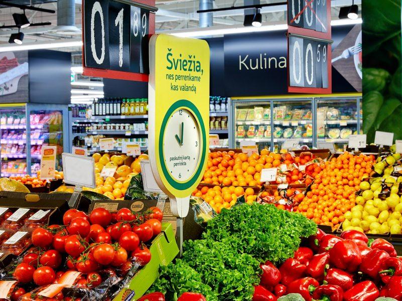 Šviežių vaisių ir daržovių sezonas įsibėgėja – kainų šuolio lietuviai nepajuto