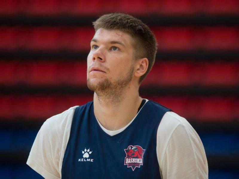 """R. Giedraitis projektuoja išvykimą į NBA – su """"Baskonia"""" lietuvį sieja didžiulė išpirka"""